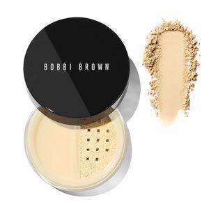 Bobbi Brown • Sheer Finish Pressed Powder